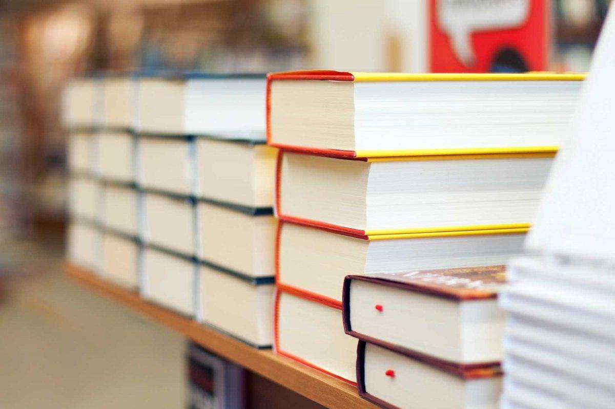Librerie Forme Strane. Best Libreria Su Unuisola With Librerie Forme Strane. Amazing Libreria ...